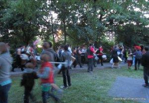Samba group passing by