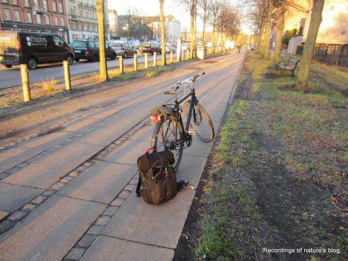 Portable audio recording bag at the bike
